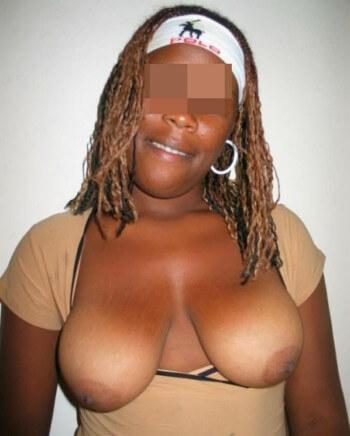 Black qui désirerait un joli sexe à sucer sur Fréjus